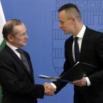 Kitüntették az Orbán mellett kiálló francia nagykövetet