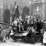 1956-ról - Álarccal és álarc nélkül
