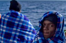 Kitoloncolták az ötvenmilliós migránst
