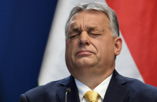 Belebukott a korrupciós botrányba Orbán egyik legnagyobb ellenfele