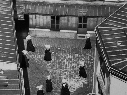 Fotó: Paul Almasy: Nuns, Paris, 1950