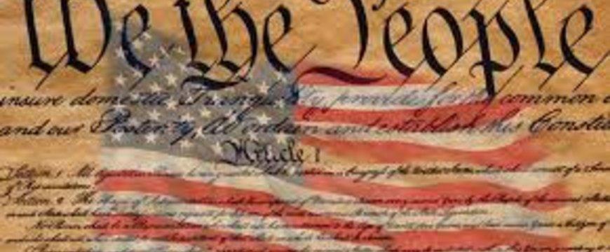 A gránitba vésett alkotmány terhe