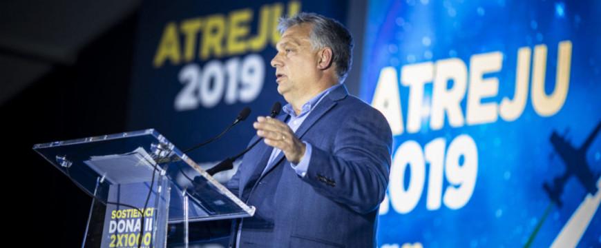 Orbán: a baloldal be akarja hozni a migránsokat