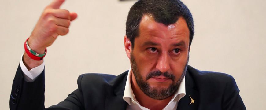 Salvini a baloldalnak: Vége a gyöngyéletnek!