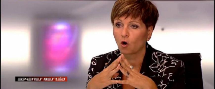 Apáti Bence: Örök Olga, Mucika visszatér!