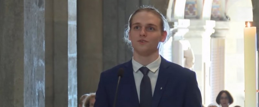 Bayer Zsolt: Egy végzős Pannonhalmi diák beszéde