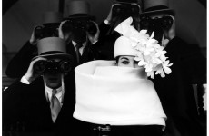 "Fotó: Frank Horvat: Model Bettina Graziani ""Bettina"", Hat by Givenchy, Longchamp Racetrack, Paris, 1958"